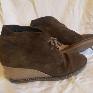 J crew leather suede wedge shoes with laces